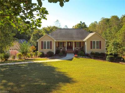 Rural Hall NC Single Family Home For Sale: $240,000