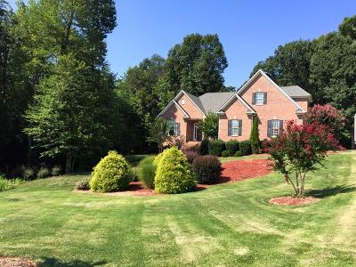 Greensboro Single Family Home For Sale: 6109 Colwyn Court