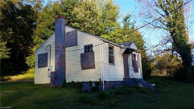 Winston Salem Single Family Home For Sale: 2123 Bowen Boulevard