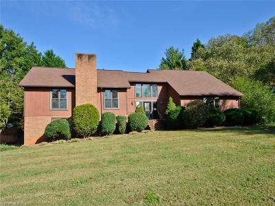 Lewisville Single Family Home For Sale: 8741 Willowmede Drive