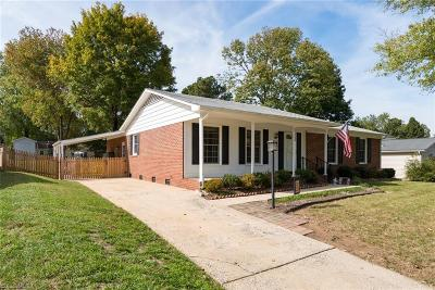 Greensboro Single Family Home For Sale: 5105 Bayberry Lane