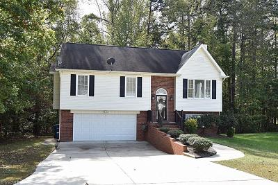 Greensboro Single Family Home For Sale: 5501 Pebble Garden Court