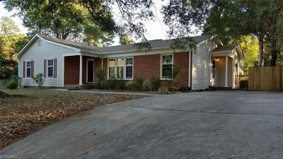 Guilford County Single Family Home For Sale: 801 Parkwood Circle