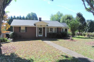 Clemmons Single Family Home For Sale: 6174 Haywood Street