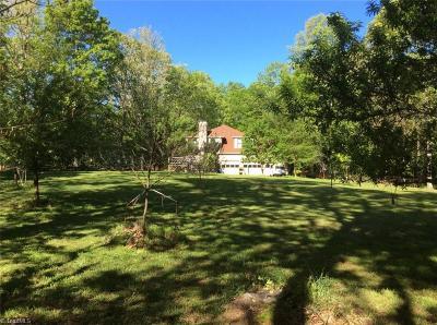 Pfafftown Single Family Home For Sale: 8000 Crosscreek Trail