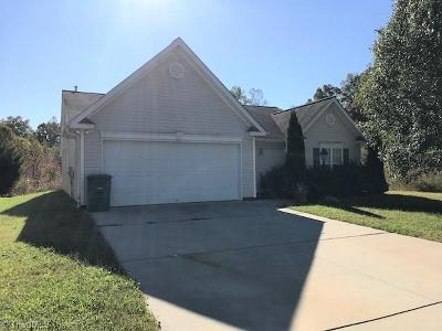 Clemmons Single Family Home For Sale: 4625 River Gate Drive
