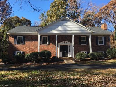 Single Family Home For Sale: 661 Valley Brook Lane