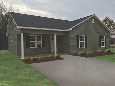 Alamance County Single Family Home For Sale: 210 W Moore Street