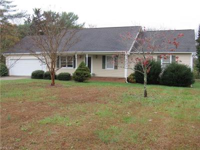 King NC Single Family Home For Sale: $159,900