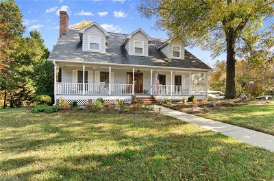 Guilford County Single Family Home For Sale: 1900 Lazy Lane