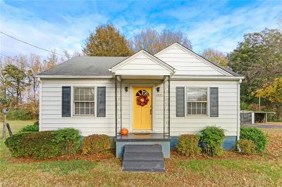 Single Family Home For Sale: 1833 Barnes Street