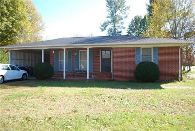 Mocksville Single Family Home For Sale: 7339 Nc Highway 801 S