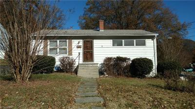 Greensboro Single Family Home For Sale: 3100 Center Street