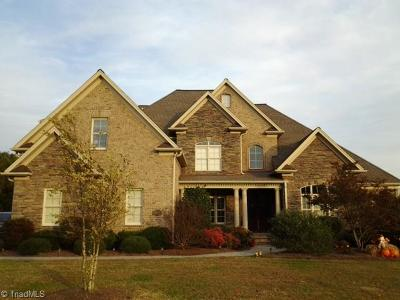 Kernersville Single Family Home For Sale: 2531 Squire Manor Place