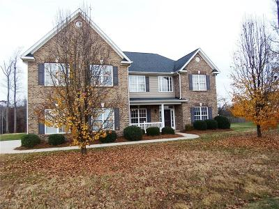 Greensboro Single Family Home For Sale: 7616 Sterlingshire Drive