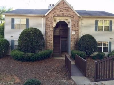 Clemmons Condo/Townhouse For Sale: 4020 Whirlaway Court #G