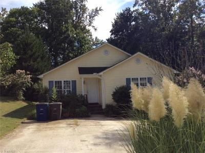 Winston Salem Single Family Home For Sale: 2324 Gallery Place