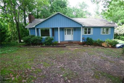 Advance Single Family Home For Sale: 130 W Renee Drive