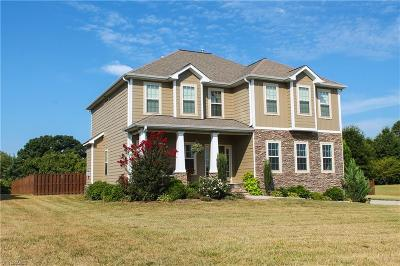Browns Summit Single Family Home For Sale: 3406 Garrick Trace