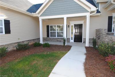 Clemmons Condo/Townhouse For Sale: 222 Hawks Nest Circle
