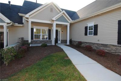 Clemmons Single Family Home For Sale: 220 Hawks Nest Circle