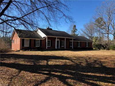 Dobson Single Family Home For Sale: 414 Double Creek Road