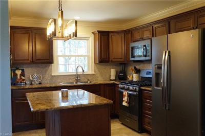 Winston Salem Single Family Home For Sale: 4256 Northampton Drive