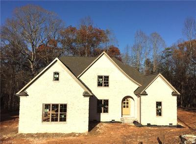Guilford County Single Family Home For Sale: 2500 Hillsdale Forest Court