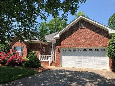 Advance Single Family Home For Sale: 123 Niblick Court N