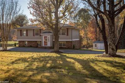 Single Family Home Sold: 150 College Lane