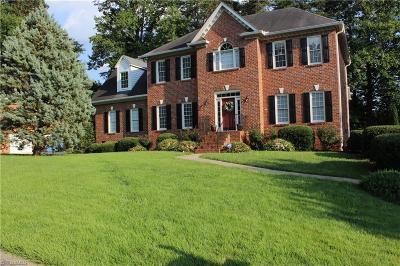 Winston Salem Single Family Home For Sale: 3680 Saddlewood Forest Court