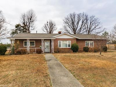 Alamance County Single Family Home For Sale: 114 Eastway Lane