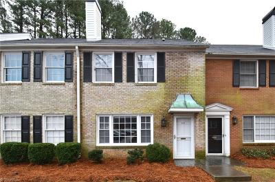 Winston Salem Condo/Townhouse For Sale: 352 Hanover Arms Court