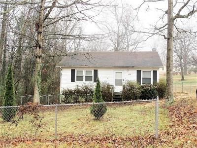 Single Family Home For Sale: 154 Sycamore Circle