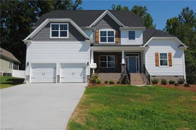 Clemmons Single Family Home For Sale: 391 Meadowfield Run