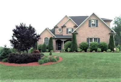 Winston Salem Single Family Home For Sale: 4664 Kellys Trail