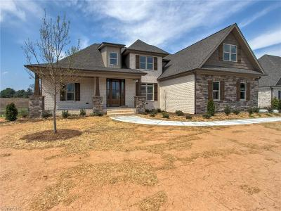Stokesdale Single Family Home For Sale: 7705 Front Nine Drive