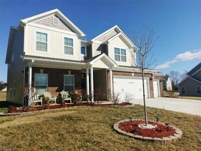 Whitsett Single Family Home For Sale: 2008 Heron Pointe Drive