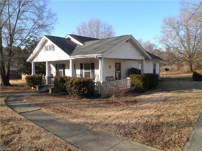 Gibsonville Single Family Home For Sale: 715 Burlington Avenue