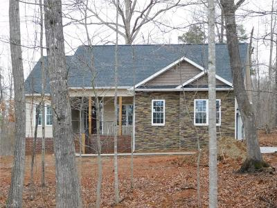 Davidson County Single Family Home For Sale: 160 Pinta Court
