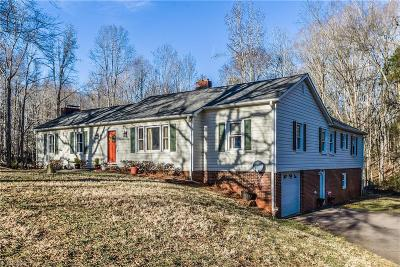 Clemmons Single Family Home For Sale: 7595 Peggy Drive