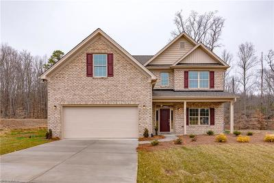 Clemmons Single Family Home For Sale: 6137 Barrington Oaks Drive