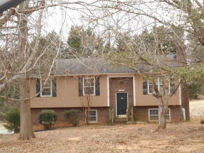 Pfafftown Single Family Home For Sale: 2896 Millwheel Road