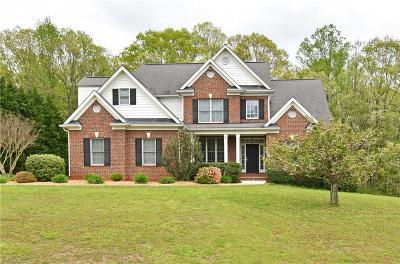 Mocksville Single Family Home For Sale: 201 Meadow Ridge Drive