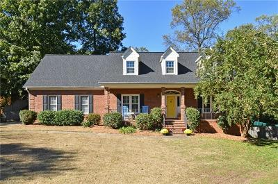 Winston Salem Single Family Home For Sale: 1320 Teagues Crossing