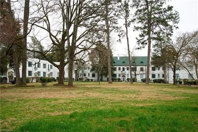 Greensboro Condo/Townhouse For Sale: 1700 Elm Street #B6