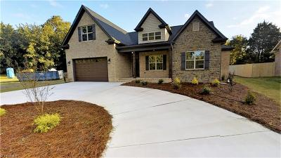Winston Salem Single Family Home For Sale: 4462 Cheyenne Court