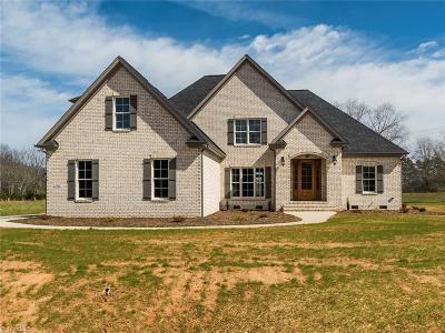 Oak Ridge Single Family Home For Sale: 7402 Felloes Court