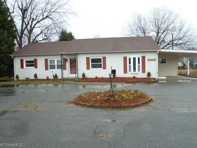 Lexington Single Family Home For Sale: 6050 Old Us Highway 52