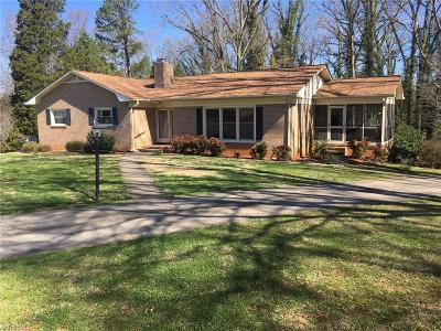 Lexington Single Family Home Due Diligence Period: 215 Woodhaven Drive